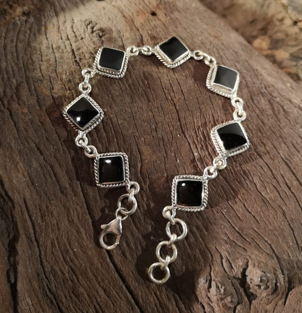 Where to buy Whitby Jet Bracelets.