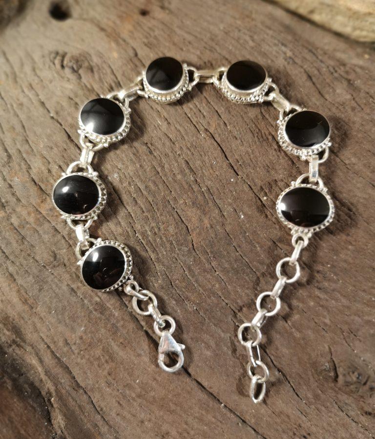 Medium rope-edge oval bracelet
