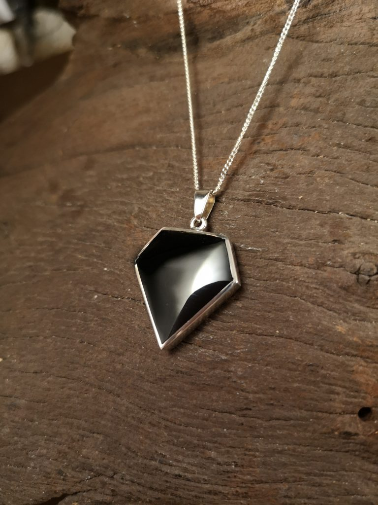 Medium diamond pendant