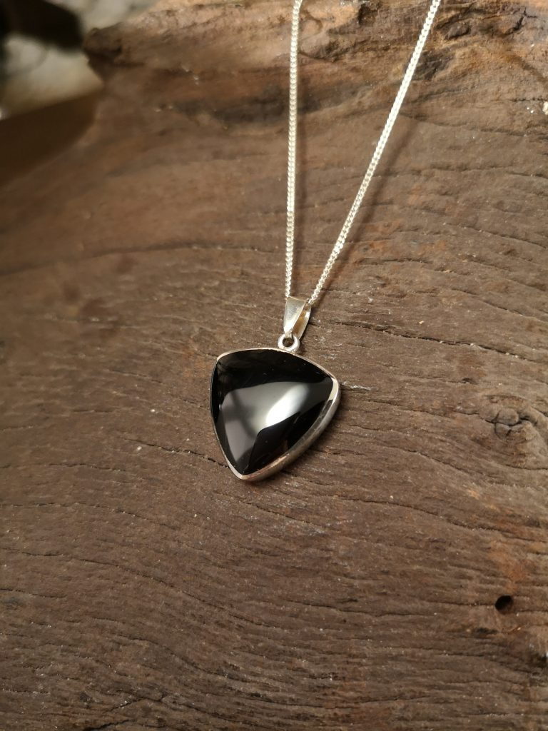 Medium triangular pendant