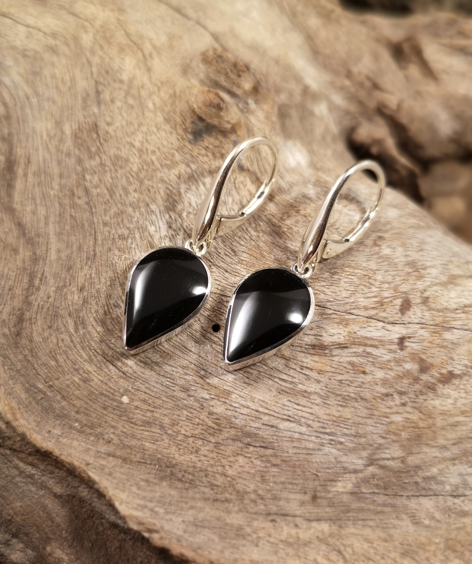 Large reverse teardrop earring