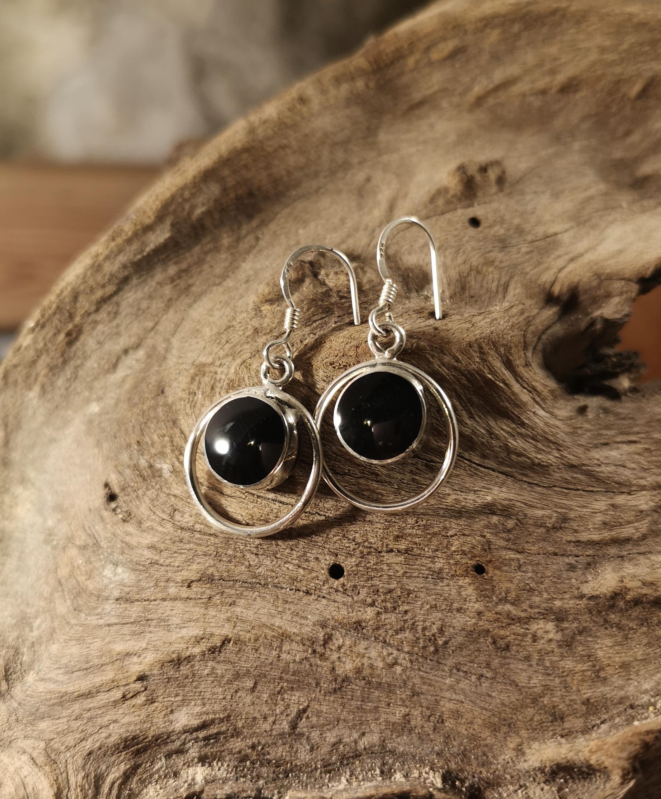 Medium halo drop earrings