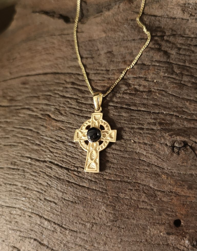 9ct Gold Celtic cross