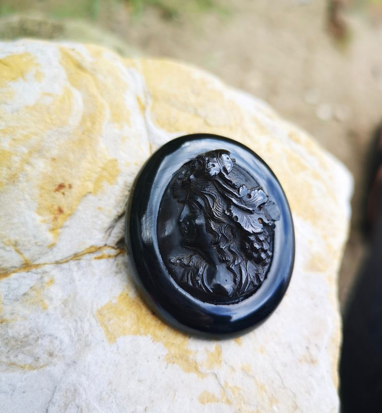 """Antique Whitby Jet brooch 'lady with grapes in her hair"""""""