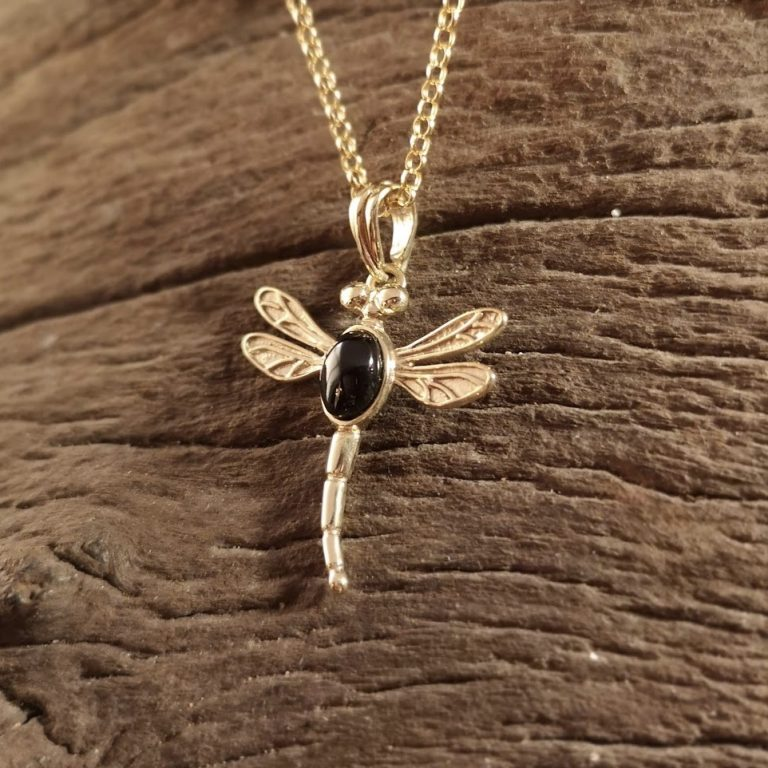 9ct Gold dragonfly pendant