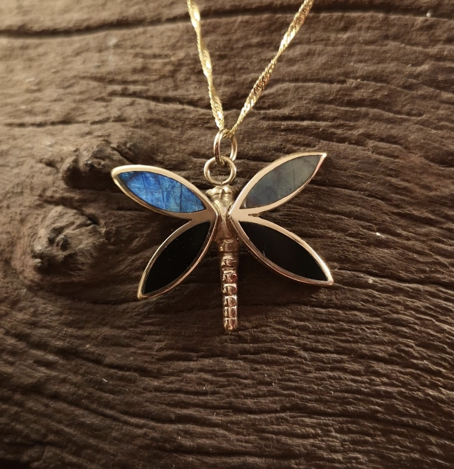 9ct Gold labradorite butterfly pendant