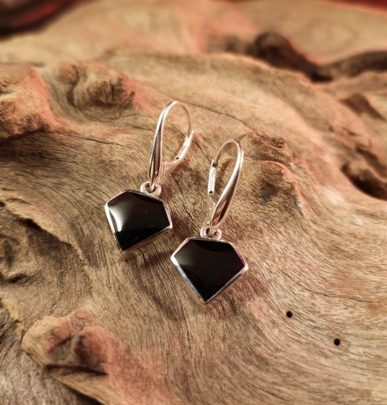 Brilliant cut drop earrings