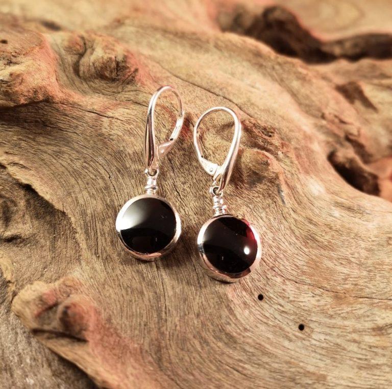 Bottle-top round drop earrings
