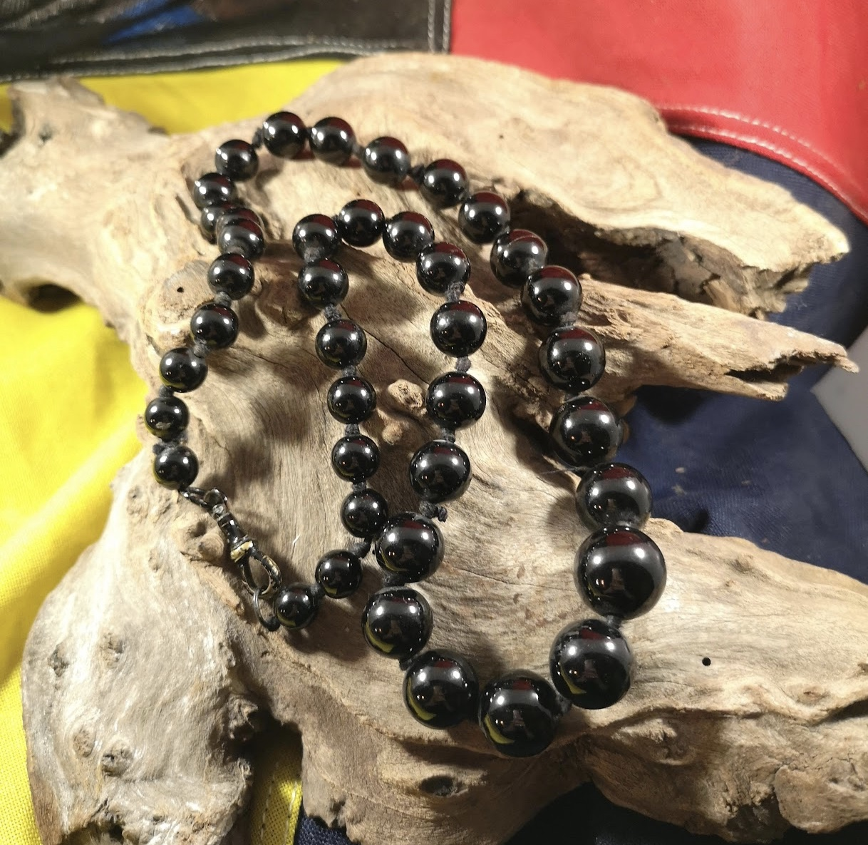 Antique 23″ round Whitby Jet beads