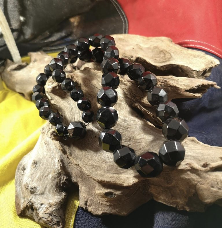 Antique 23.5″ facetted Whitby Jet beads