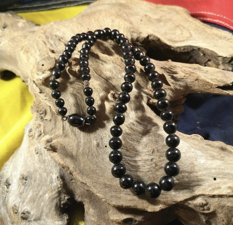 Antique 18.5″ round Whitby Jet beads