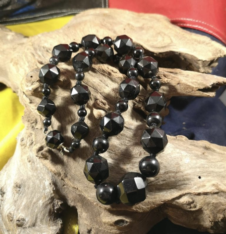 Antique 22.25″ facetted and round Whitby Jet Beads