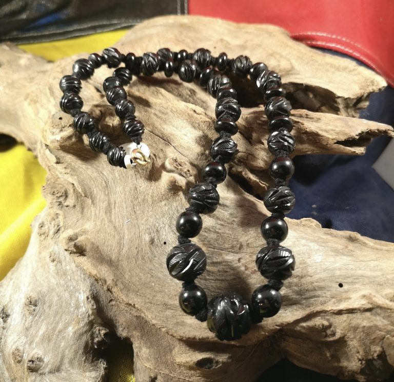 Antique 20″ carved and round Whitby Jet beads