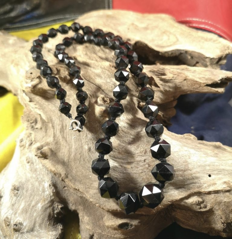Antique 22″ facetted Whitby Jet beads