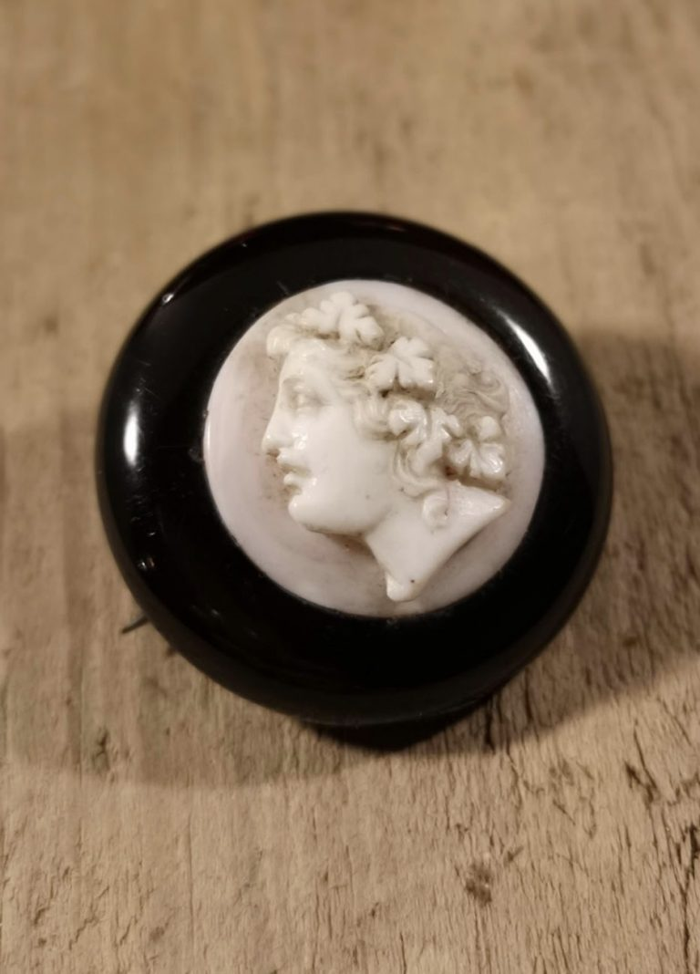 "Antique Whitby Jet brooch ""round shell cameo"""