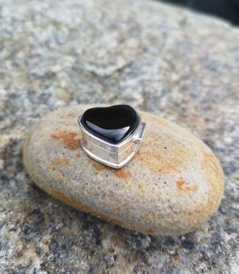 Heart Shaped Whitby Jet Pillbox