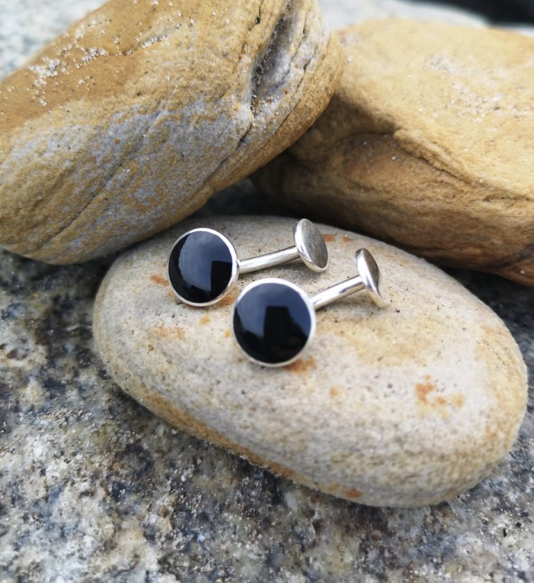 Single-ended Whitby Jet Round cufflinks