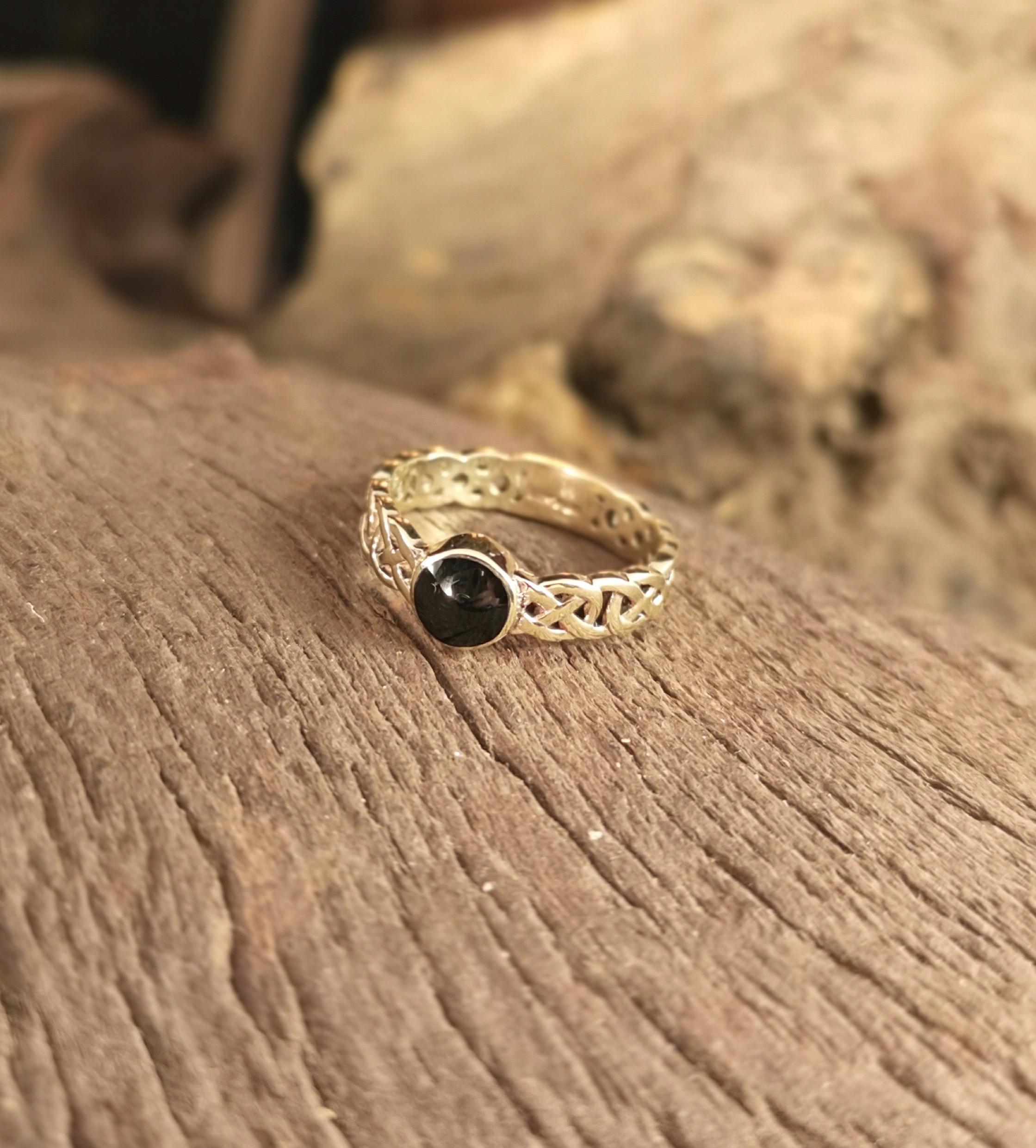 9ct Gold Ladies Wedding Ring