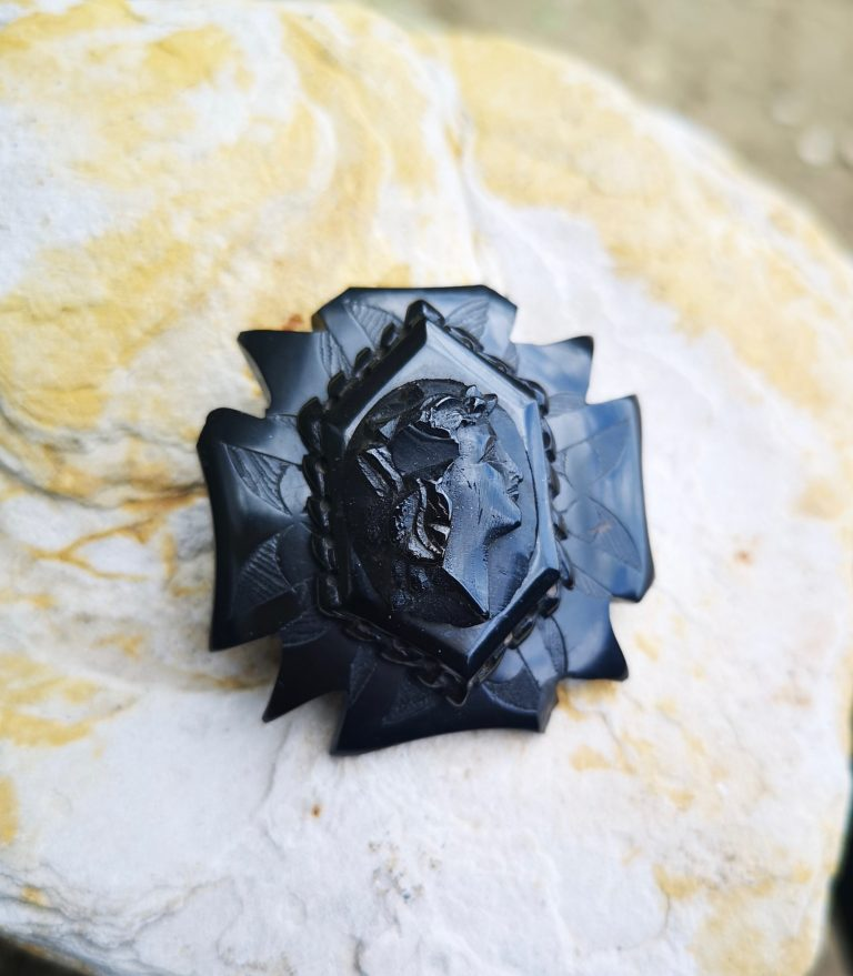 """Antique Whitby Jet brooch """"cameo and cross"""""""