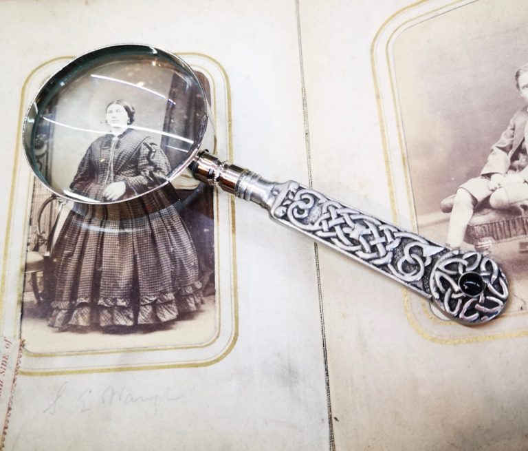 Whitby Jet Magnifying Glass