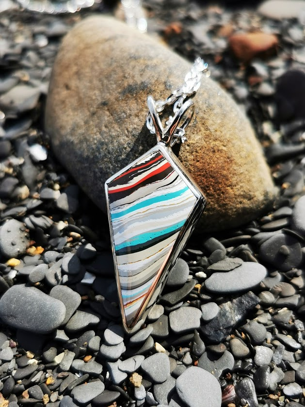 Fordite & Whitby Jet double sided Kite pendant