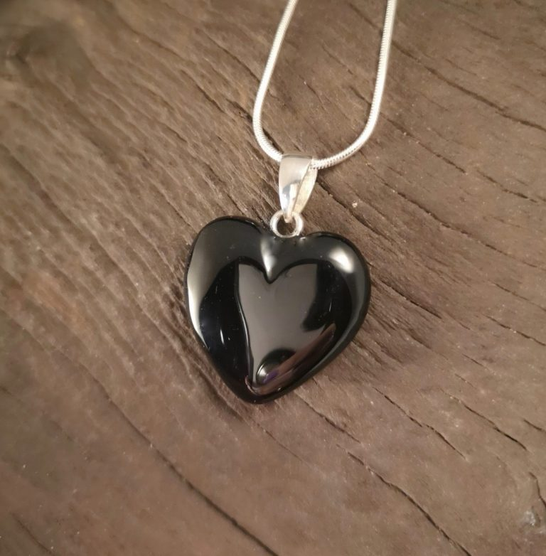 Whitby jet Puff Heart