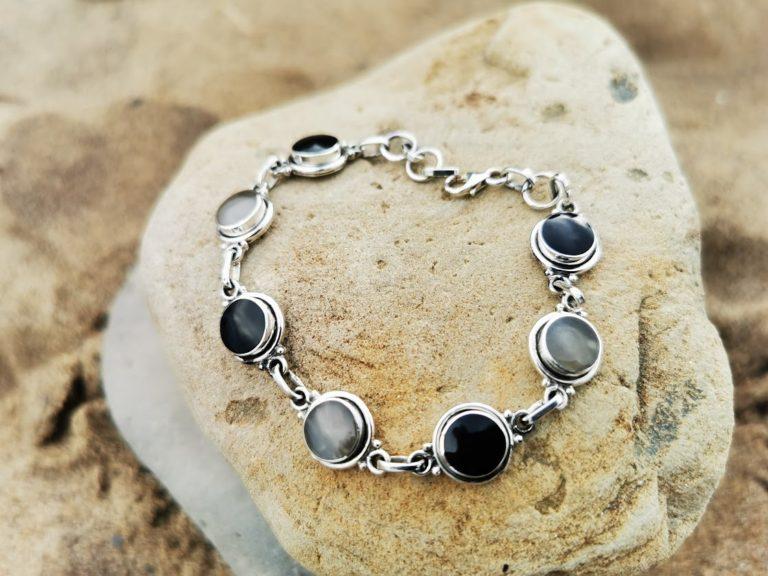 Whitby Jet & Cosmic silver Bowlerite plain round bracelet