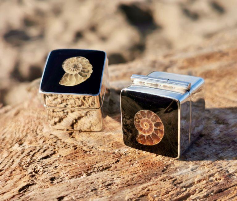 Whitby Jet Ammonite inlay pill box